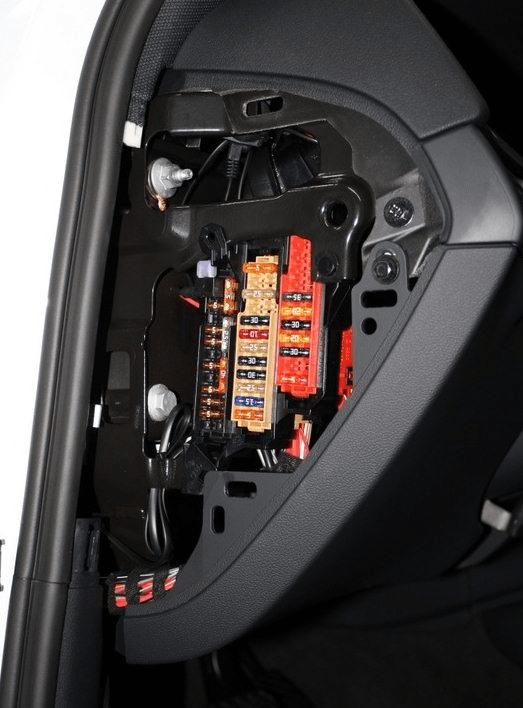 Fuse Box Diagram Audi A4  B8   2007